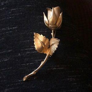Vintage Giavanni Gold-tone single Rose Brooch